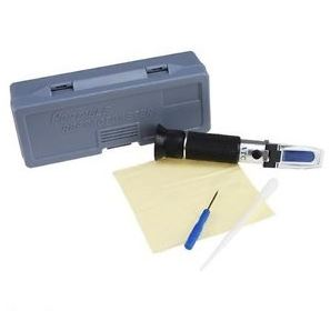 refractometer_with_gray_case